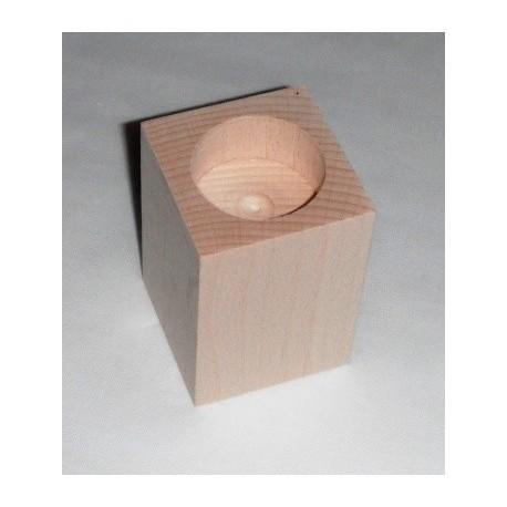 Dřevěný svícen hranatý č.1