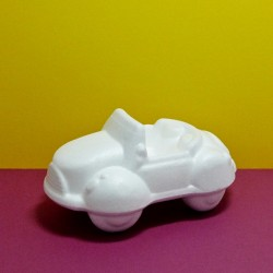 Polystyrenové auto 17cm