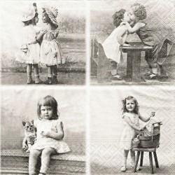 Čtyři obrázky s dětmi 33x33