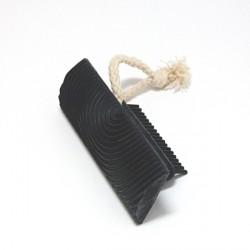 Gumová stěrka pro vytvoření imitace dřevěného povrchu