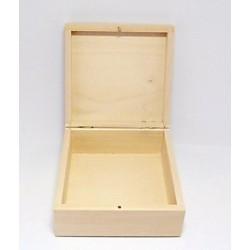 Dřevěná krabička čtvercová 16x16x7 s kolíčkem