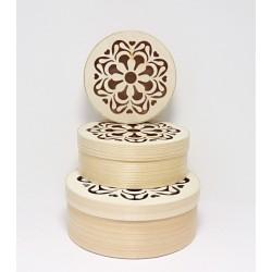 Set kulatých krabiček z dýhy 3v1, s ornamentem se srdíčky