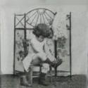 Dívka a botičky 33x33