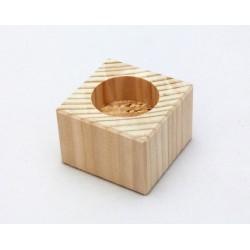 Dřevěný svícen nízký (hranatý)