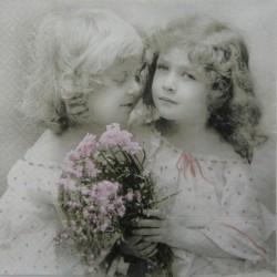 Dvě dívky s kyticí 33x33